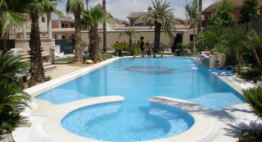 Piscinas terramar construcci n y mantenimiento de piscinas for Mantenimiento piscina agua salada